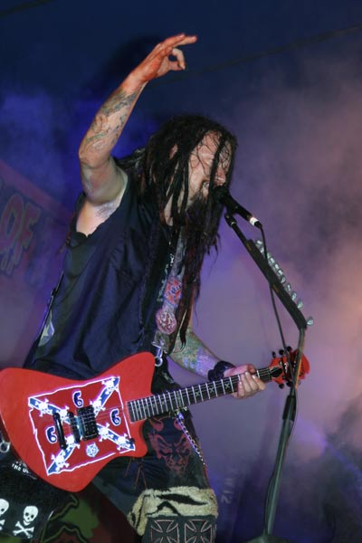 photo-Mike-Riggs-Rob-Zombie-guitarist-Dead-Girl-Superstar