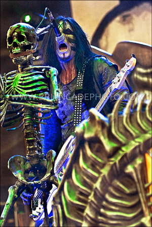 photo-Piggy-D-bassist-band-Rob-Zombie-Hellbilly-Deluxe-2