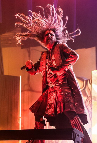 photo-live-rob-zombie-Feel-So-Numb