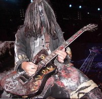 photo-Mike-Riggs-Rob-Zombie-guitar-The-Sinister-Urge