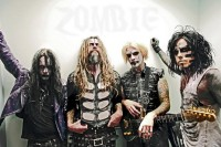 photo-Piggy-D-bass-guitar-Rob-Zombie-Venomous-Rat-Regeneration-Vendor