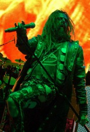 photo-rob-zombie-concert-2010-Werewolf-Baby